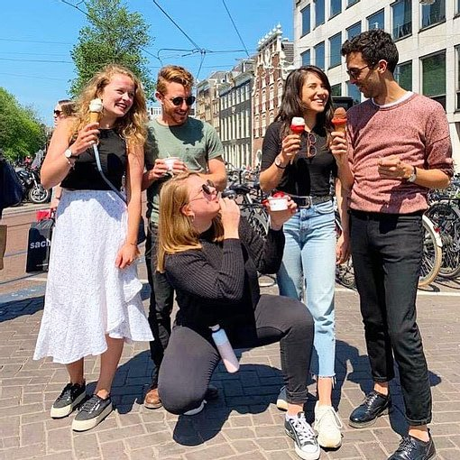 Photo of the PRLab team eating ice cream in Amsterdam